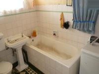 Bathroom 1 - 6 square meters of property in Gezina