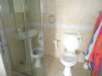 Bathroom 1 - 3 square meters of property in Bloubergrant