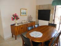 Dining Room - 10 square meters of property in Klein-Brakrivier