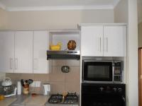 Kitchen - 15 square meters of property in Klein-Brakrivier