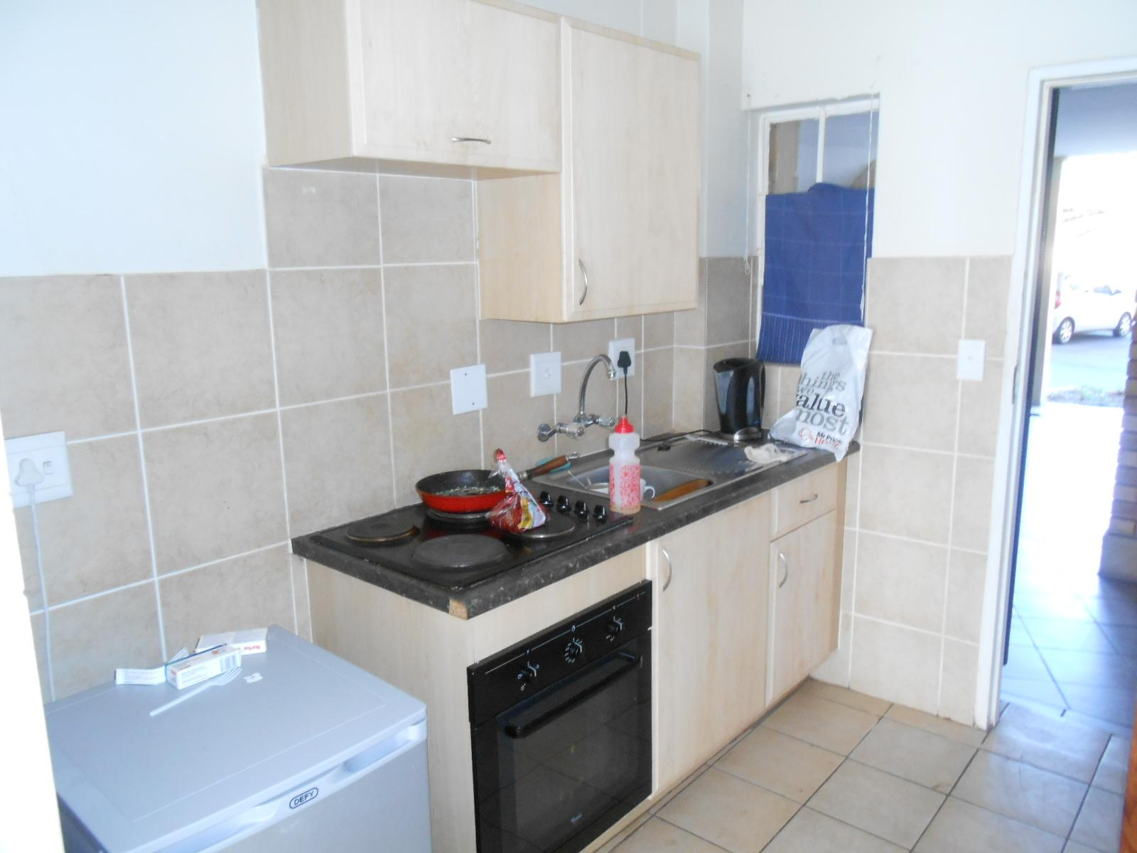 Kitchen - 5 square meters of property in Karenpark