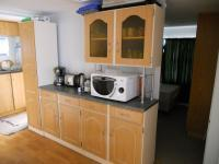 Kitchen - 7 square meters of property in Hartenbos