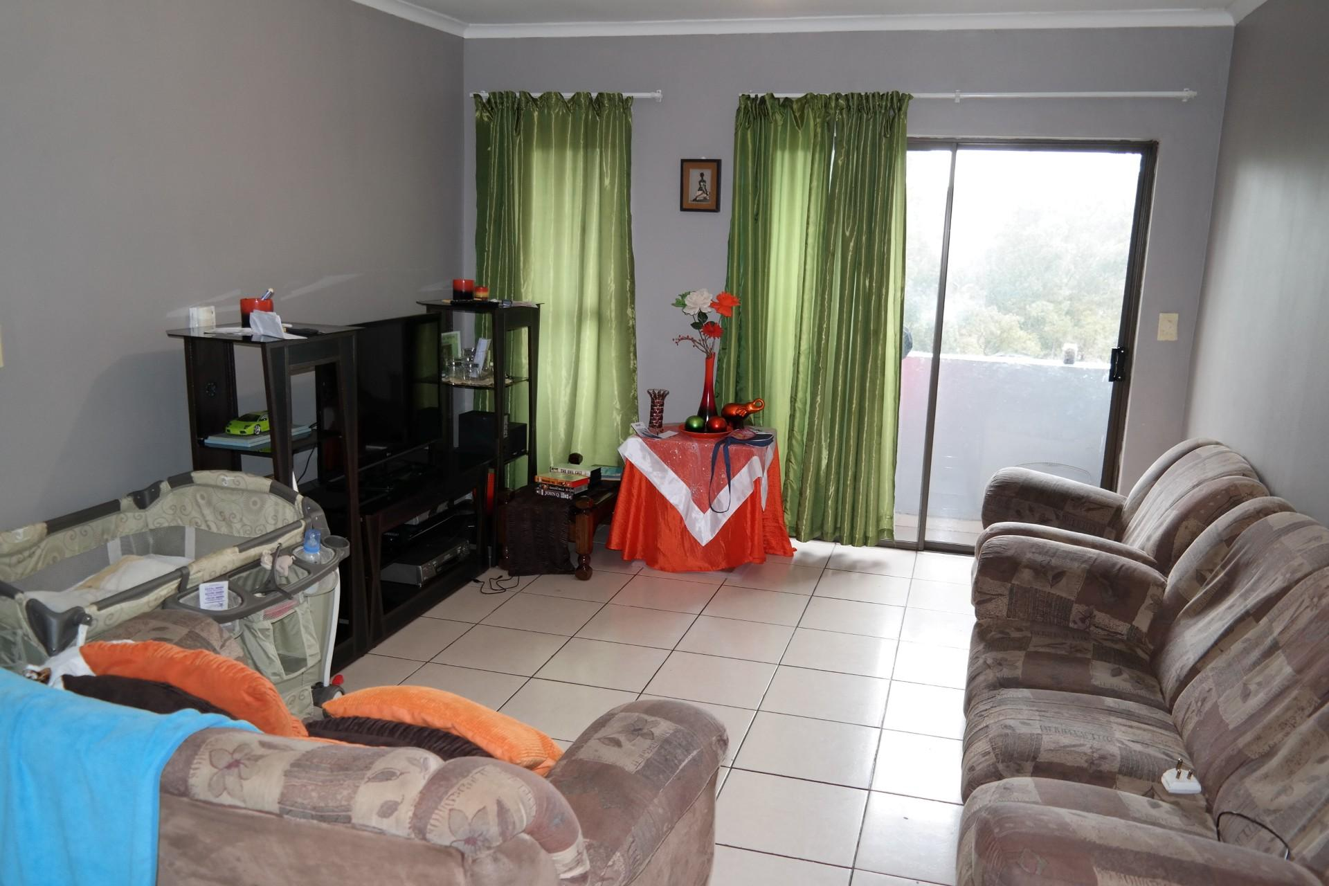 Lounges - 33 square meters of property in Malmesbury