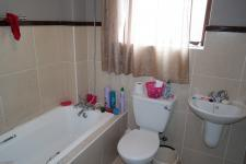 Bathroom 1 - 6 square meters of property in Malmesbury