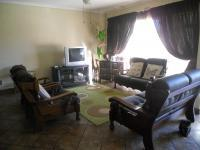 Lounges - 14 square meters of property in Vanderbijlpark