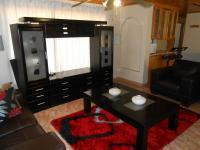 Lounges - 16 square meters of property in The Orchards