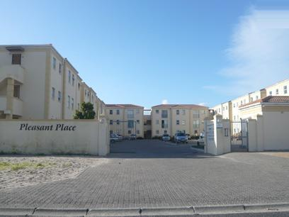 2 Bedroom Apartment For Sale in Rondebosch East - Private Sale - MR09242