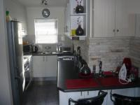 Kitchen - 10 square meters of property in Rondebosch East