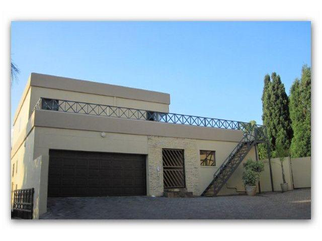 4 Bedroom House for Sale For Sale in Waterkloof Ridge - Private Sale - MR092422