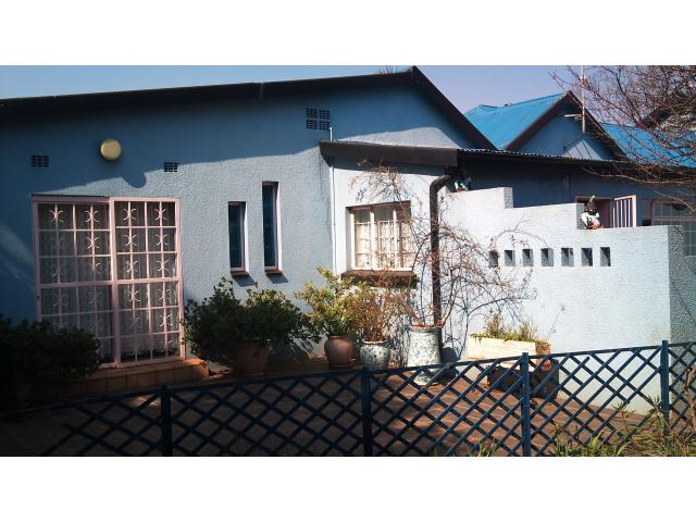 6 Bedroom House for Sale For Sale in Dersley - Home Sell - MR092436