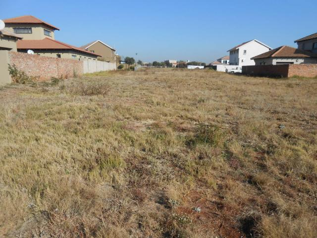 Land For Sale in Monavoni - Private Sale - MR092454