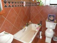 Bathroom 1 - 6 square meters of property in Weavind Park
