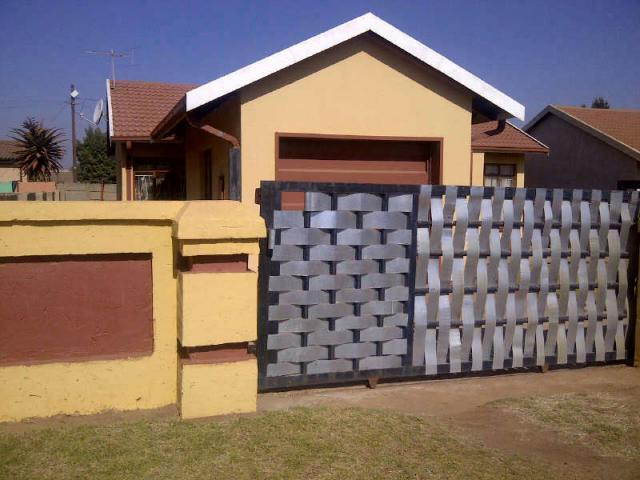 3 Bedroom House for Sale For Sale in Sebokeng - Home Sell - MR092506