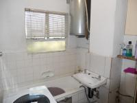Main Bathroom - 3 square meters of property in Montclair