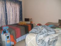 Bed Room 1 - 12 square meters of property in Mondeor