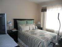 Main Bedroom - 14 square meters of property in Mondeor