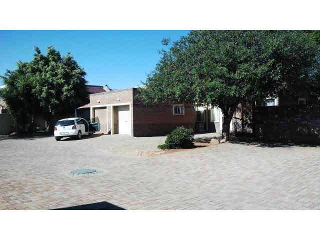 2 Bedroom Simplex for Sale For Sale in Polokwane - Private Sale - MR092602