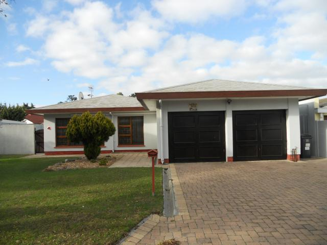 4 Bedroom House For Sale in Monte Vista - Home Sell - MR092647