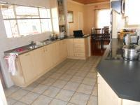 Kitchen - 15 square meters of property in Monte Vista