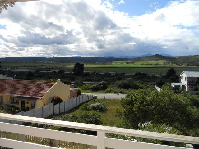 4 Bedroom House for Sale For Sale in Hartenbos - Private Sale - MR092671