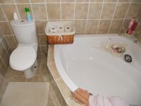 Main Bathroom - 8 square meters of property in Hartenbos