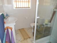 Main Bathroom - 5 square meters of property in Mossel Bay