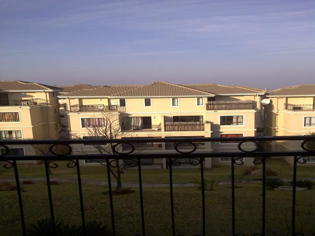2 Bedroom Apartment For Sale in Midrand - Private Sale - MR092674