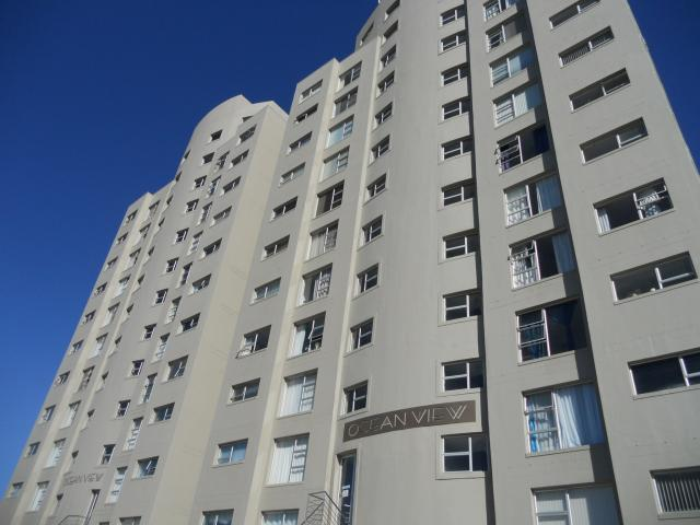 Standard Bank EasySell 1 Bedroom Apartment For Sale in Bloubergrant - MR092679
