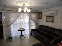 Lounges - 18 square meters of property in Phoenix