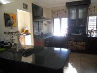 Kitchen - 21 square meters of property in Douglasdale