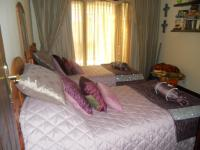 Bed Room 1 - 14 square meters of property in Douglasdale