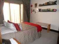 Bed Room 2 - 13 square meters of property in Douglasdale