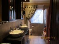 Main Bathroom - 14 square meters of property in Douglasdale