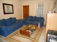 Lounges - 13 square meters of property in Eden Glen