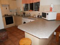 Kitchen - 13 square meters of property in Greenstone Hill