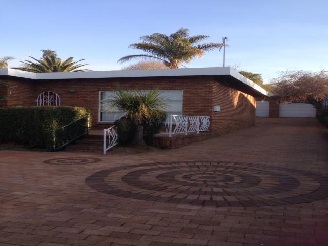 4 Bedroom House To Rent in Constantiapark - Private Rental - MR092809