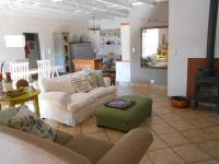 Lounges - 21 square meters of property in Doringkloof