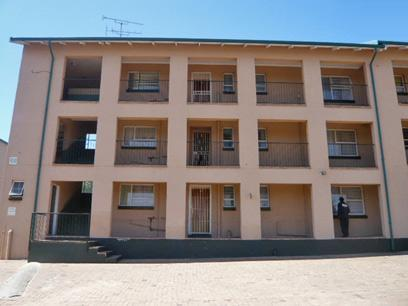 3 Bedroom Apartment for Sale For Sale in Krugersdorp - Home Sell - MR09289