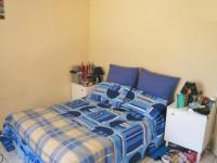 Main Bedroom - 18 square meters of property in Krugersdorp