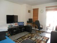Lounges - 16 square meters of property in Mulbarton
