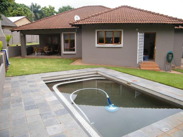3 Bedroom House For Sale in Tzaneen - Home Sell - MR093099