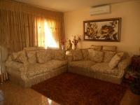 Lounges - 20 square meters of property in Ormonde