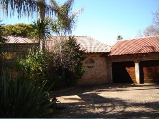 3 Bedroom House for Sale For Sale in Klerksdorp - Home Sell - MR093107