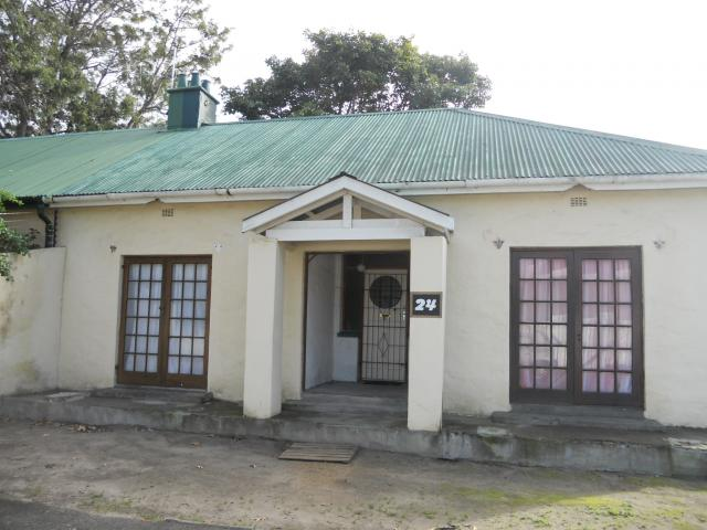 2 Bedroom House For Sale in Wynberg - CPT - Private Sale - MR093183