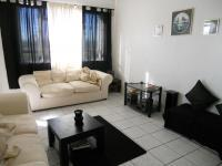 Lounges - 24 square meters of property in Milnerton