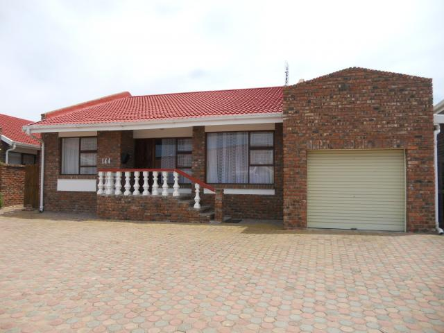 2 Bedroom House for Sale For Sale in Hartenbos - Home Sell - MR093186