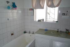 Bathroom 1 - 12 square meters of property in Touws River (Touwsrivier)