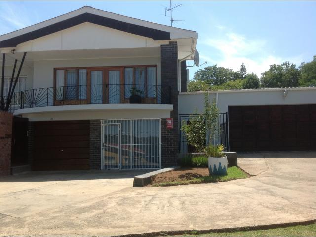 4 Bedroom House for Sale For Sale in King Williams Town - Home Sell - MR093206