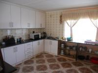 Kitchen - 32 square meters of property in Umhlatuzana