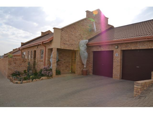 3 Bedroom Sectional Title for Sale For Sale in Bloemfontein - Home Sell - MR093377